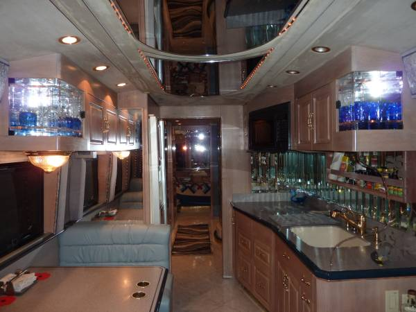 1996 Prevost Royale XL 45 FT Motorhome For Sale in Houston, TX