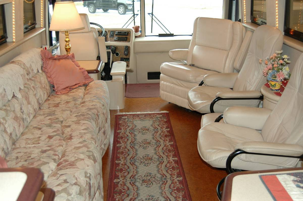 1999 Prevost Hoffman XL 45FT Motorhome For Sale in Lakeland, FL