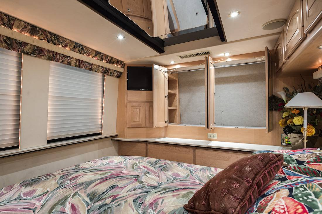 1999 Prevost Country Coach 45ft Motorhome For Sale In